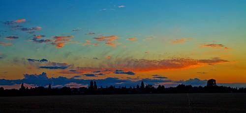 light sunset sky cloud sun silhouette set bedford bedfordshire felton sheds paddock lumen cardington robertfelton