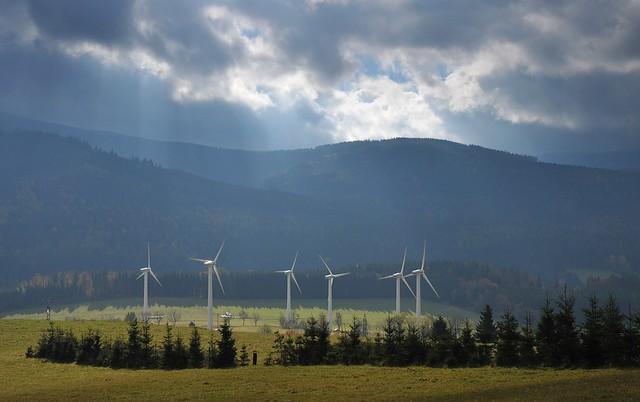 Větrné elektrárny nad Ostružnou