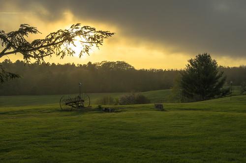 sunset sun tree field clouds maine wells thefarm lightroom