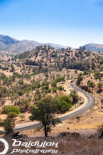 california railroad mountains tunnel hills unionpacific southernpacific uprr tehachapiloop doubletrack