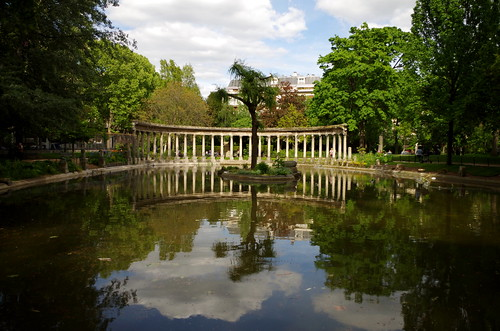 cloud paris france k 30 clouds landscape spring pentax may charles mai reflet nuage nuages paysage 雲 parc reflets printemps philippe 風景 colonnade 公園 monceau 五月 2015 パリ k30 反映 platinumheartaward モンソー公園 philch6 2015年 モンソー