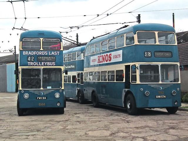 Bradford 844 -1948 Sunbeam F4 1962 East Lancs FWX914 passing 792 - Karrier W East Lancs GHN574 =<