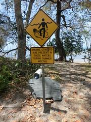 Typische Warnschilder am australischen Stränden, Cap Tribulation