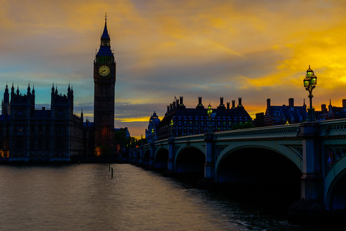 sunset sky london thames golden housesofparliament bigben yellowsky elizabethtower