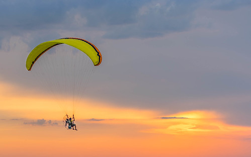 view fun active color sunset sony orange florida cropped panamacitybeach clouds adventure ocean beautiful travel perspective impressive detail beach winds hanggliding lifestyle parasailing a7r unitedstates us