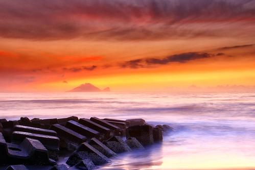 morning sunrise canon landscape dawn twilight dusk taiwan getty 台灣 yilan 宜蘭 風景 gettyimages 龜山島 日出 海邊 攝影 頭城 guishandao 永鎮濱海遊憩區 5d2 hybai