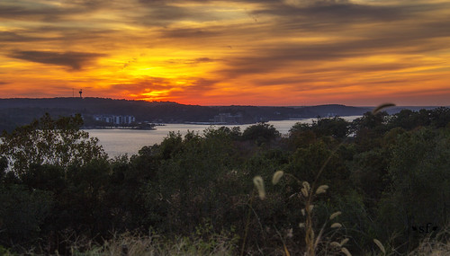sunset clouds glow lake lakeozark lakeoftheozarks ozarks camdencounty missouri mo landscape scene scenery water evening fall october2016 stevefrazierphotgraphy orange red yellow blue silhouette beautiful sky horizon shore shoreline resorts