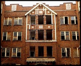 Upper Level: Nardin Court Manor Apartments--Detroit MI