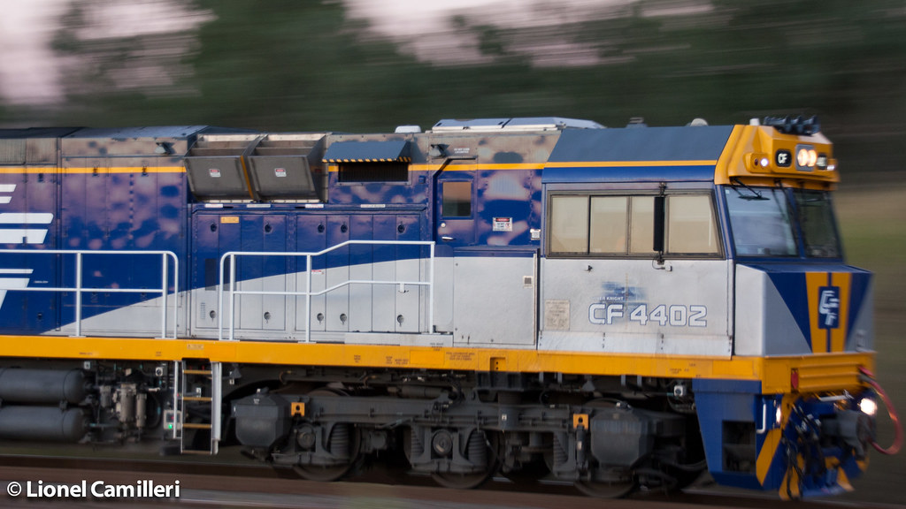 CF4402 Blur by LC501