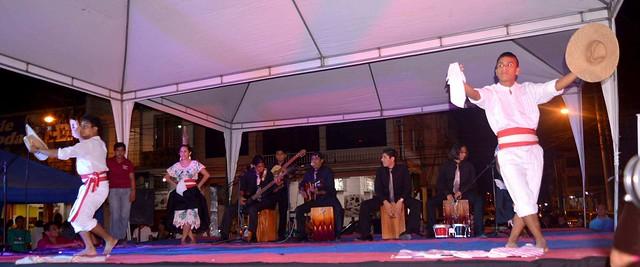 Éxito en festival de danzas internacionales