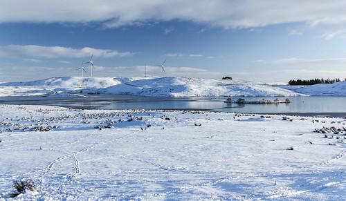 eastrenfrewshire landscape winter scotland walking reservoir neilston harelawdam windturbine snow