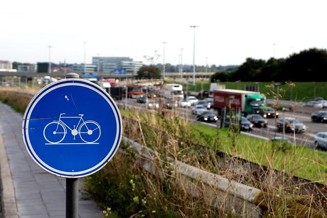 Vélo aux abords du R0