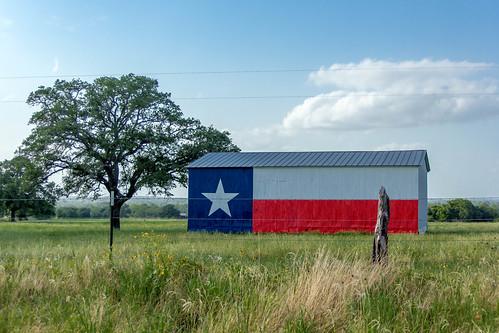 barn rural texas tx flag texasflag waelder waeldertexas gonzalestexas gonzalestx waeldertx gonxales