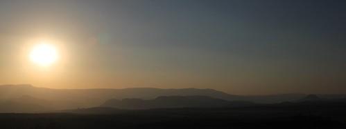 africa sunset sunlight sol fog landscape southafrica atardecer paisaje afrika hazy mpumalanga drakensberg drakensberge suidafrika sudáfrica dragonmountains drakensbergrange drakensberescarpment