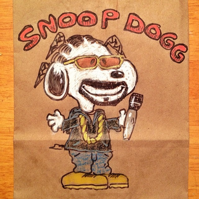 5e33e452 #lunchbagart Snoop Dogg: I'm sure this has happened before, right?  #lunchbagart