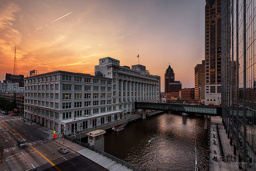 cityscape sunset milwaukee wisconsin river reflections nikon d750 markadsit urban hdr