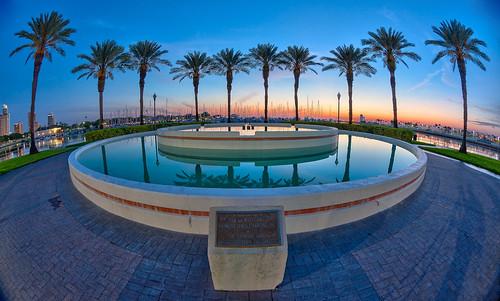 sky fountain sunrise stpetersburg boats dawn florida fisheye palmtrees nik sailboats hdr topaz oloneo