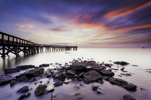 pinehurst downspark pasadena maryland chesapeakebay pier structure outddors sunrise dawn sky atmosphere longexposure landscape waterscape smooth morning light luminosity sliderssunday hss neutraldensity filter littlestopper singhrayrgnd