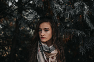 Andreea Szabó   by unknown_edit