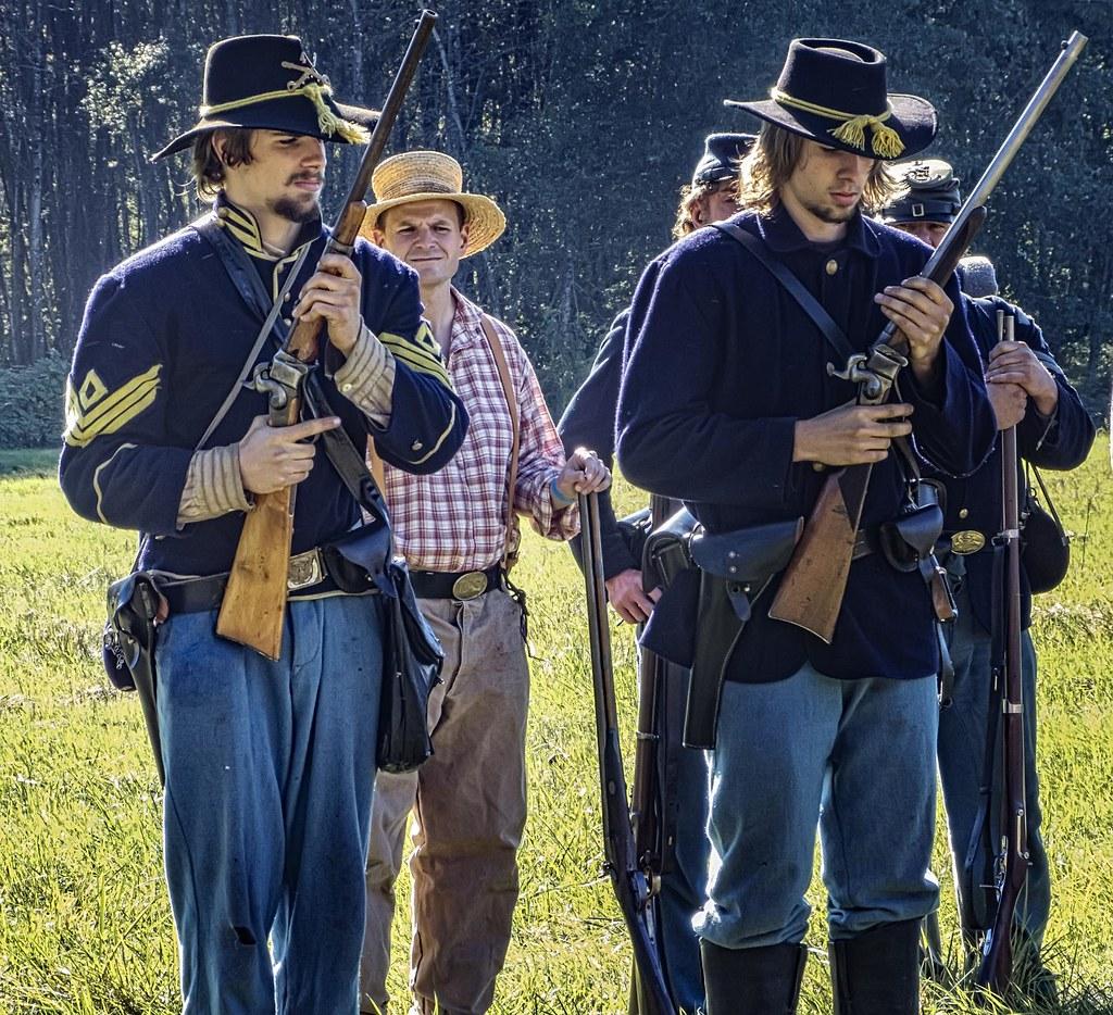 American Civil War reenactors performing at a 2013 Boy Sco