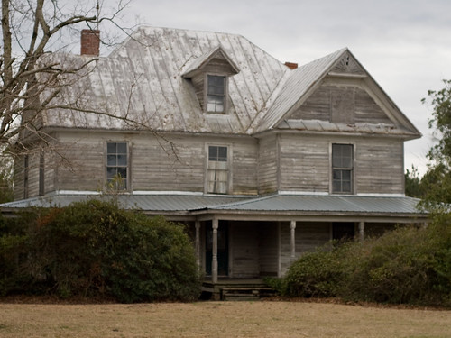 old roof house abandoned window metal nc highway afternoon curtain gray lawn northcarolina bushes derelict 421