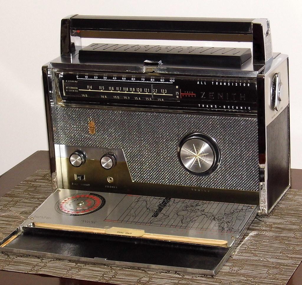 Vintage Zenith Royal 1000-1 Trans-Oceanic (TransOceanic) P… | Flickr