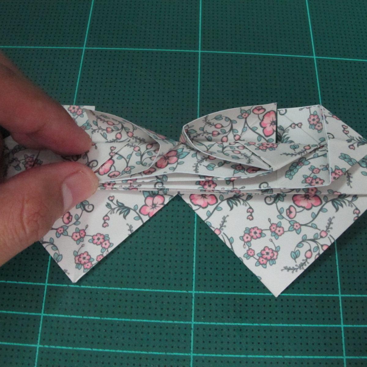 วิธีพับกระดาษรูปหัวใจคู่ (Origami Double Heart)  024