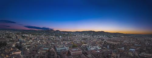 bologna italia italy cityscape landscape landscapephotography nikonitalia nikon nikkor nightphotography nikond750 nikontop nikonflickraward panorama pano panoramic allaperto emilia romagna city citta imbrunire dusk tramonto sunset peaceful
