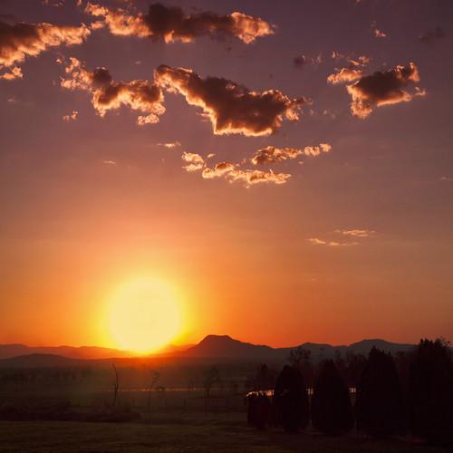 sunset mountains landscape crossing farm peak paddock ruralscene farmscene ruralscape peakcrossingmountains