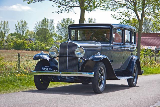 Oakland Series 301 4-door Sedan 1931 (2440)