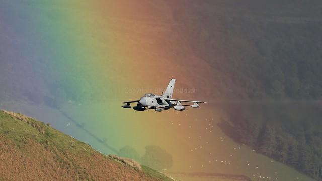 ZA554  '046'  Tornado GR4  RAF  12 Sq