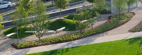 park columbus ohio bench unitedstates lawn mounds planting seatwall
