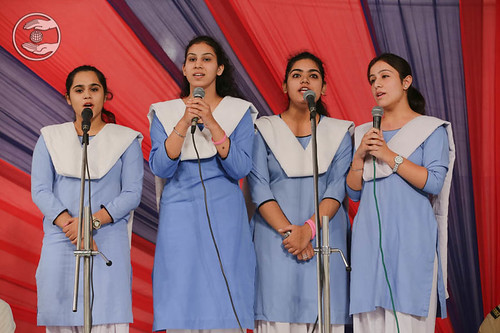 Devotional song by Minakshi Chaudhary and Saathi
