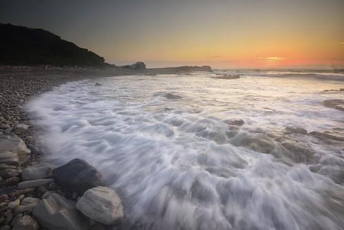 aus australia newsouthwales swanseaheads nikond750 nikon1635mmf4 seascape ocean sunrise watermovement chalkybeach
