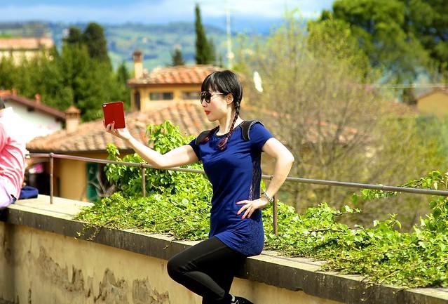 Tourist selfie, Giardino di Boboli, Florence, Tuscany, Italy.