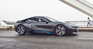 BMW-2014-i8-on-the-road-48 c