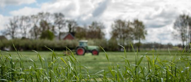 Unscharfer Traktor ...