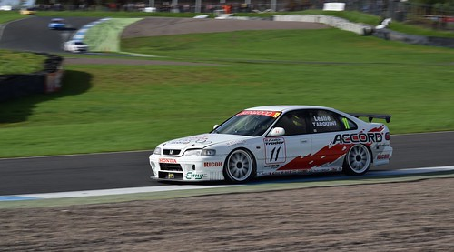 Honda Accord - Gabriele Tarquini Photo