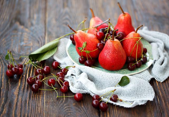 Pears & cheeries