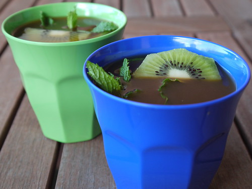 Kiwi and mint rooibos iced tea | by Ni-Cola