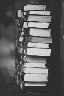books | by Pimthida