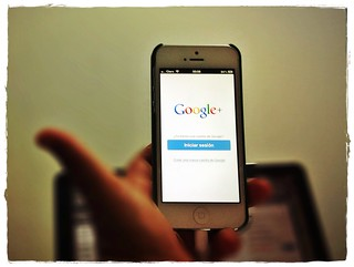 Google | by clasesdeperiodismo