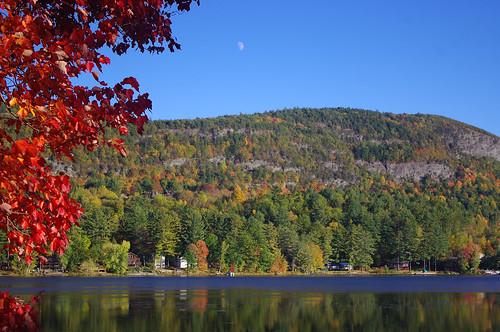 vermont foliage wellsvt geotagged moon moonrise pentax kr landscape autumn leaves sky blue