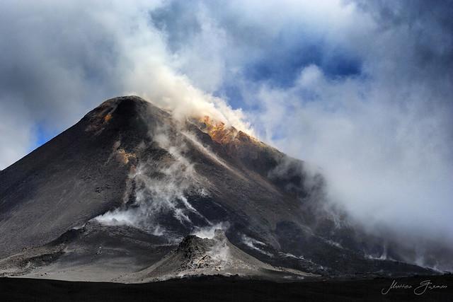 Her Majesty, Etna