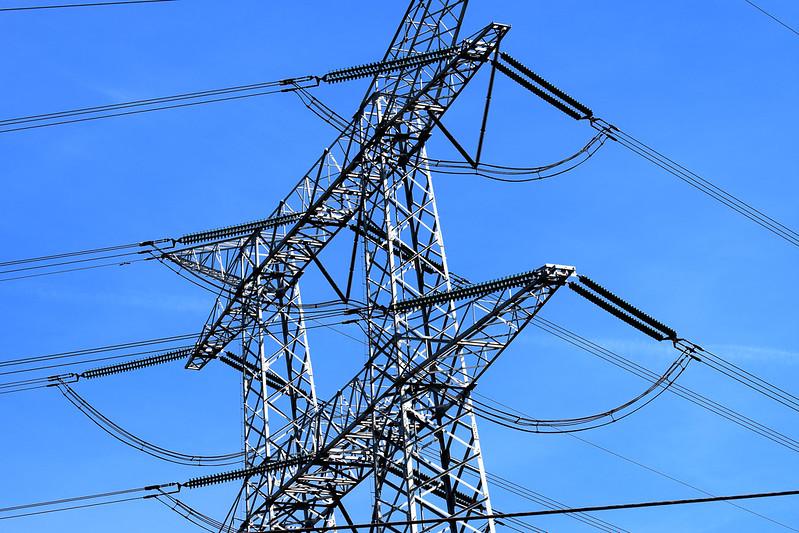 Powerlines 03