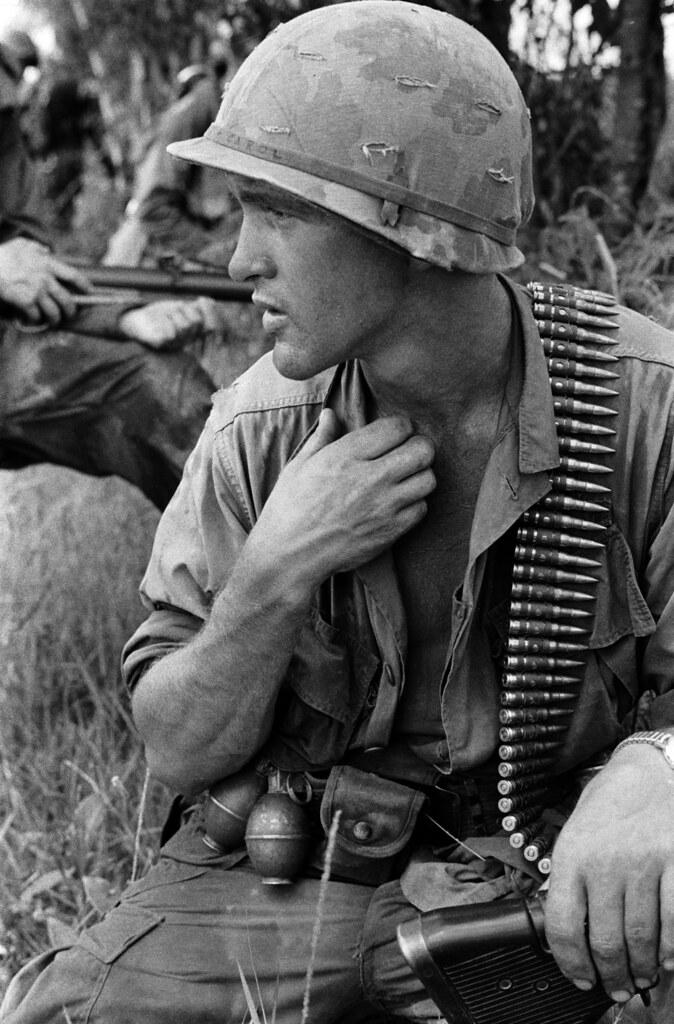 Vietnam 3 1968/5 1969 - Photo by Charlie Haughey | An M60 op
