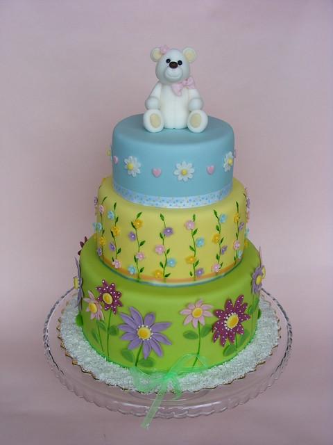 White teddy bear cake