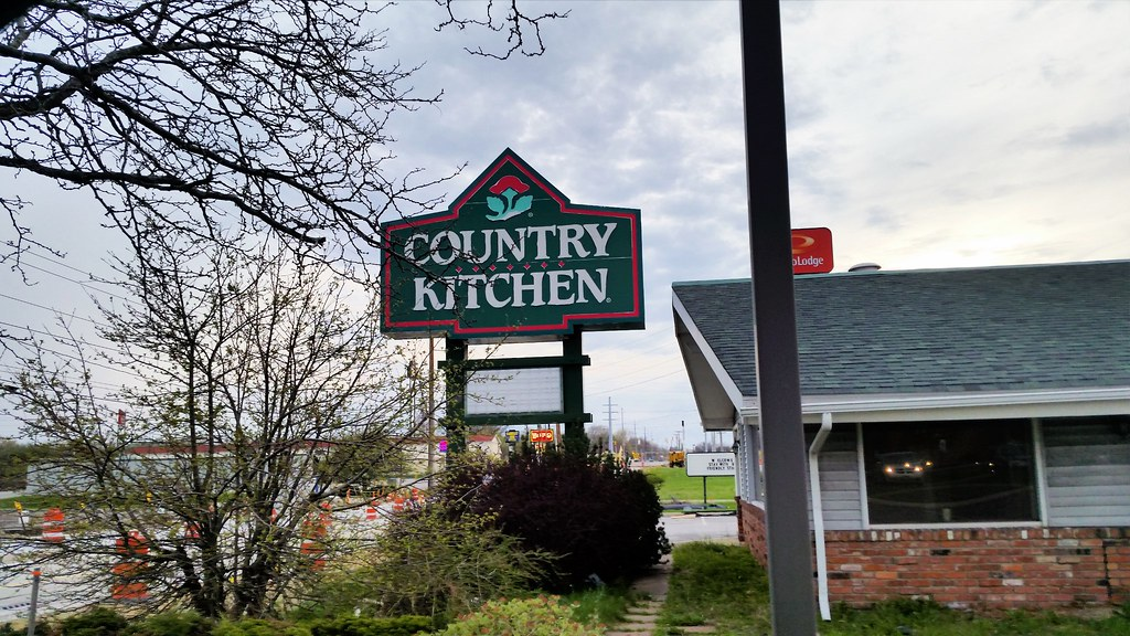 Former Country Kitchen Elyria | This restuarant was built in… | Flickr