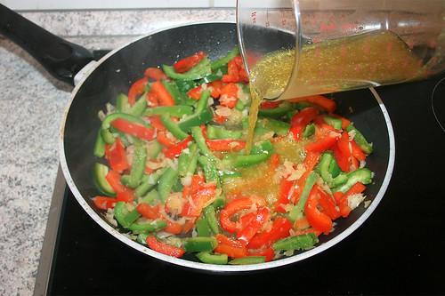 20 - Gemüsebrühe aufgießen / Drain vegetable broth | by JaBB