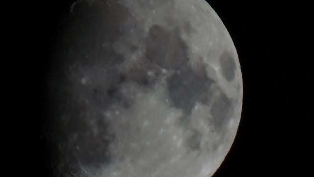 Mond 0157